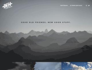 behindmagazine.com screenshot