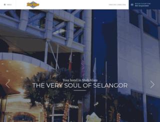 bluewavehotels.com screenshot