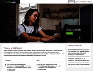 moodle.une.edu.au screenshot