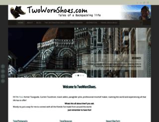 twowornshoes.com screenshot